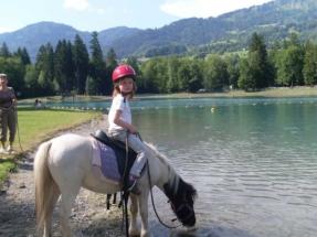 Horseriding_girl_Samoens